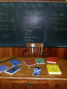 كيف تتعلم اللغات بسهولة؟ سؤال هام يجيب عليه قاهر اللغات هشام عبد الحميد الشاب الصعيدي الذي استطاع أن يتقن خمسة لغات بدون معلم.
