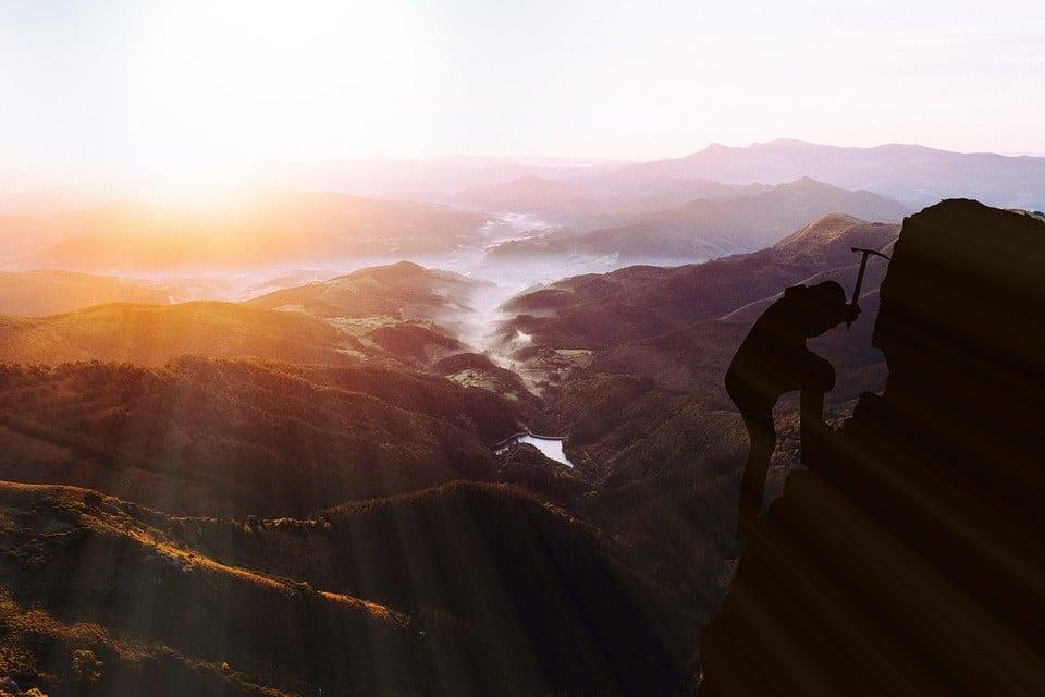 Photo of ما هو سر النجاح ؟ كيف تكون ناجحاً في حياتك؟ ما هي أهم صفة من صفات الناجحين؟ و ما هو المبدأ رقم 1000؟
